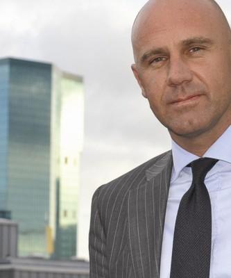 Roger Semprini ist seit 1. Januar 2010 Mitglied der Geschäftsleitung der Informatik-Tochter von Swisscom. In der Funktion des Chief Commercial Officer IT ... - Semprin_Roger2